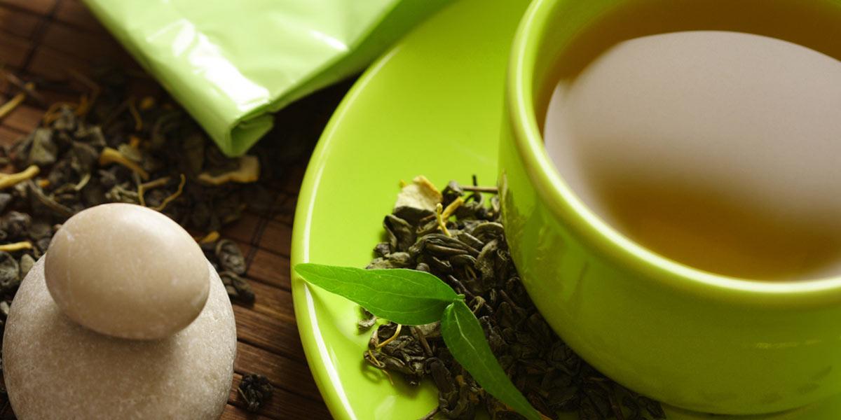 health benefits of green tea shown as cup of green tea